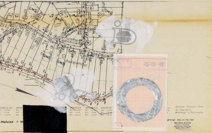 o.T. (Waschschwein), 2005, Collage u. Kugelschreiber  auf altem Entwässerungsplan, ca. 50 x 88 cm
